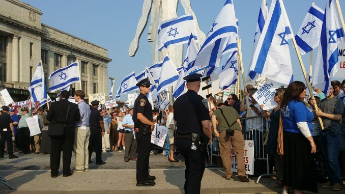 protest-flags-678×381