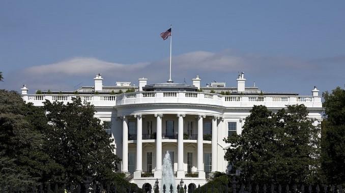 white-house-678×381